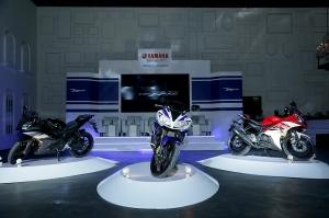 Yamaha R15 dan Yamaha R25 Motor Sport